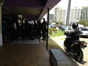 Polícias checam boato de arrastão no Tropical Shopping