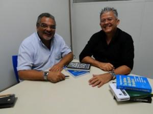 Foto 1 - Pró-reitor de Graduação, Jorge Leite e o coordenador geral do curso de Direito da Universidade Ceuma, João Luciano