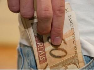 dinheiro-no-bolso-54