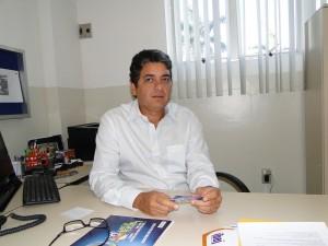 Fotos - o coordenador geral do programa, Artur Cabral