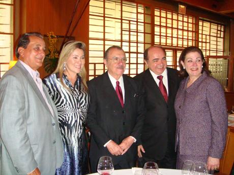 Altevir e Manu Mendonça, presidente Sarney, PH e Sálua Smith no Le Bernardin