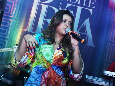 """Preta Gil e seu show """"Noite Preta"""" em São Luís."""