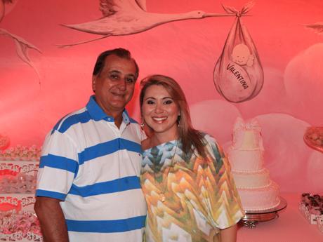 Altevir e Manu Mendonça no Chá de Bebê da filha Valentina, que nasceu nesta quinta. (Foto Reprodução: Marcus Studio)
