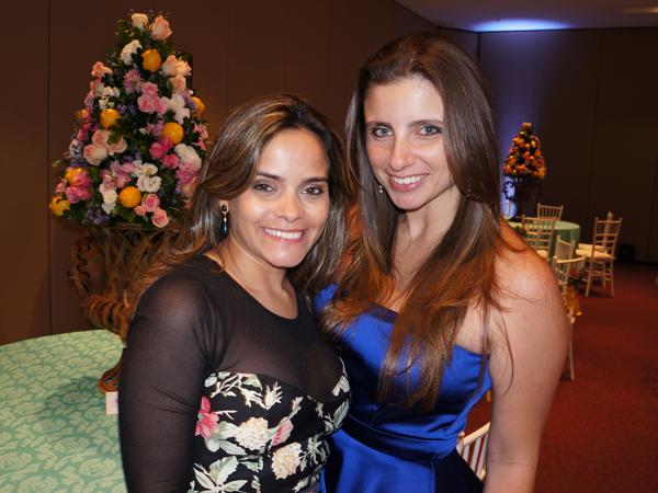 Rafaela Albuquerque e isabela Murad, durante o jantar de lançamento da Casar Bem, no ano passado.