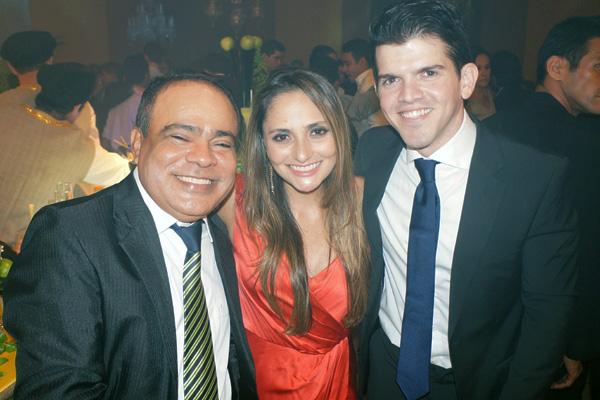 Durante acontecimento social que agitou São Luís no fim de semana passado, Nedilson, que será o grande anfitrião de sexta (26), com Maria Fernanda Sarney e eu.