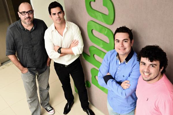 Luiz Henrique Coutinho (diretor de criação de Propaganda e Design do Grupo Phocus), Daniel Caracas, Tiago Albuquerque e Edimar Filho (diretor de criação Promo do Grupo Phocus).