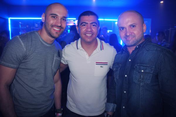 Hallan Freitas, da Candy, entre Felipe Barth e Leonardo   Matos.