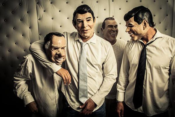 Quarteto mascarado formado por Leopoldo Meira, Eduardo Cintra, Victor Guerreiro e Peterson Ungaretti. (Foto: Divulgação)