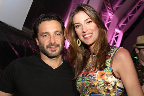 """DJ Rico Mansur e a top Bianca Klamt - ele, atração da estreia do """"Café SLZ""""; ela, cicerone honorária da casa, como uma das sócias (Foto: Danielle Vieira)"""