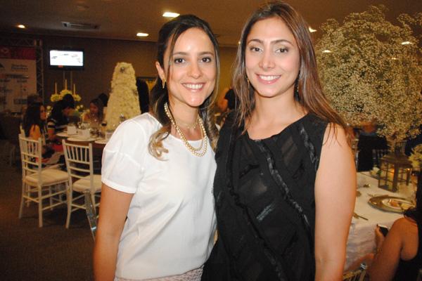 As primas Raíssa Murad e Isabella Rodrigues Caracas...