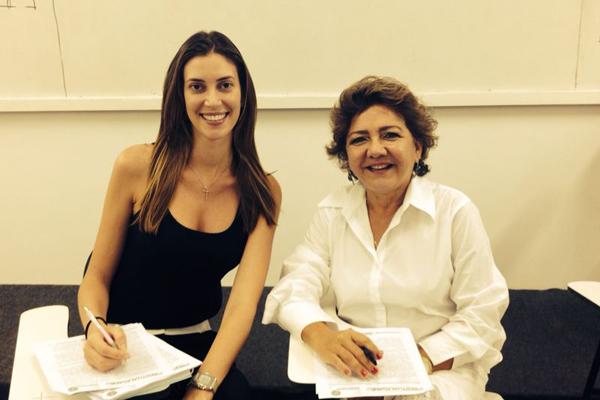 Bianca Klamt e a professora Nazaré Souza (Foto: Instagram)
