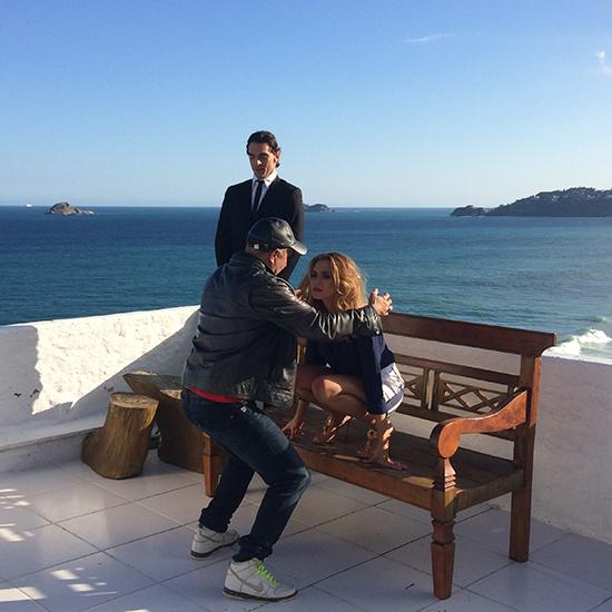 Edílson Ferreira nos bastidores do editorial com Giba e Juliana Boller (Foto: Oton Lima)