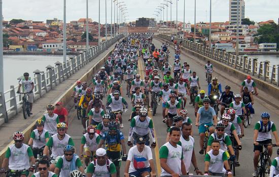 Foto ilustrativa de recente passeio ciclístico pelas ruas de São Luís (Créditos: site Semdel)
