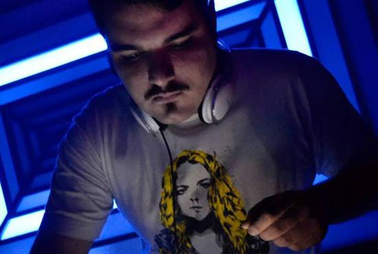 Rivandré Baseileu ou DJ Rivvs, um dos cabeça do HajaLexotan (Divulgação)