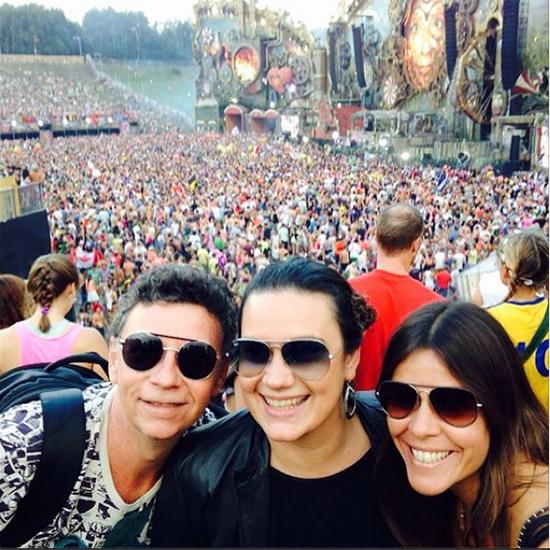 Nelson Piquet, a filha Natália Coelho e Ericka Braga, presenças maranhenses no festival Tomorrowland, na Bélgica (Foto: Instagram)