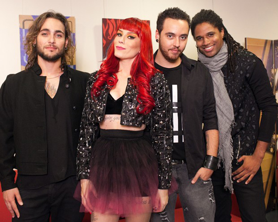 Revelação do programa global SuperStar, da TV Globo, a banda Move Over, composta pela vocalista Adriane Santana e os músicos Gabriel (guitarra), Arley (baixo) e Leandro (bateria) (Foto: Dafne Bastos / TV Globo)
