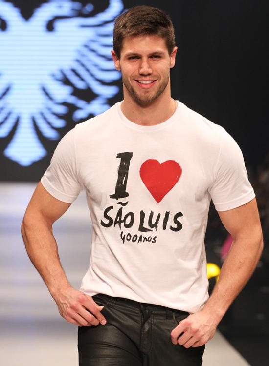 Modelo Jonas Sulzbach, em sua participação na última edição do SLZ Fashion, em 2012 (Foto: Marcus Studio).