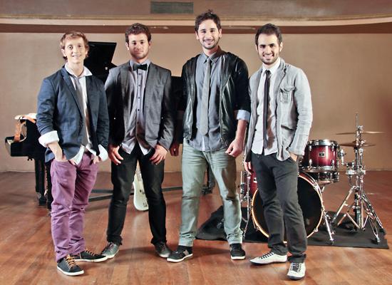 Integrantes da banda Jamz, que se apresenta na inauguração da Tommy Hilfiger (Foto: Reprodução)