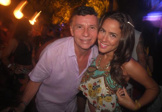 """Nelson Piquet e Gabriela Massari juntos para mais uma edição do Luau do Massari (Foto: Carlos """"Papito"""" Brasileiro)"""