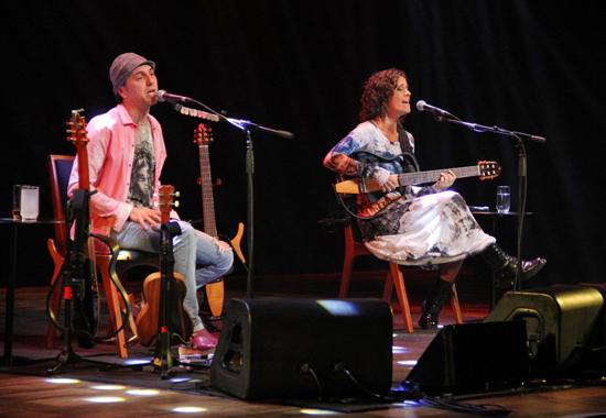Zeca Baleiro e Zélia Duncan sobem ao palco do TAA, nesta semana (Foto/Reprodução: Betho Silva)