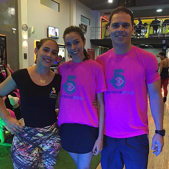 Bruna Gaglianone entre Gracielle Costa e Gino Longhi, em evento fitness na Personal Group (Foto/Reprodução: facebook)