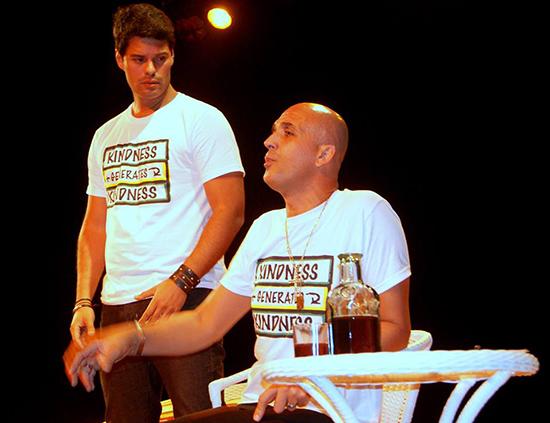 """André Rangel e  Leonardo Bower em cena com """"Sexo, Etc e Tal"""" (Foto: Divulgação)"""