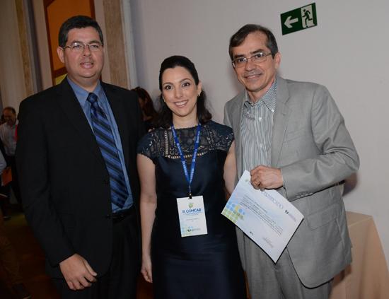 Antonio Dino, vice-presidente da Fundação Antonio Dino, Rachel Cosseti e o secretário estadual de Saúde Marcos Pacheco, durante o COHCAB (Foto/Divulgação: Marcela Simplício)