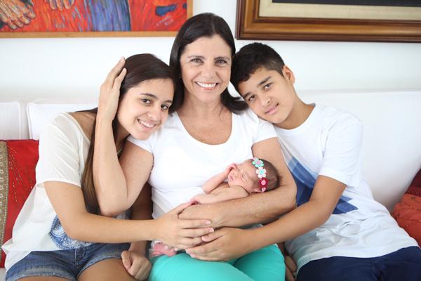 Roseana Sarney com os netos Fernanda, Rafaela e a caçula Luíza (Foto/Reprodução)