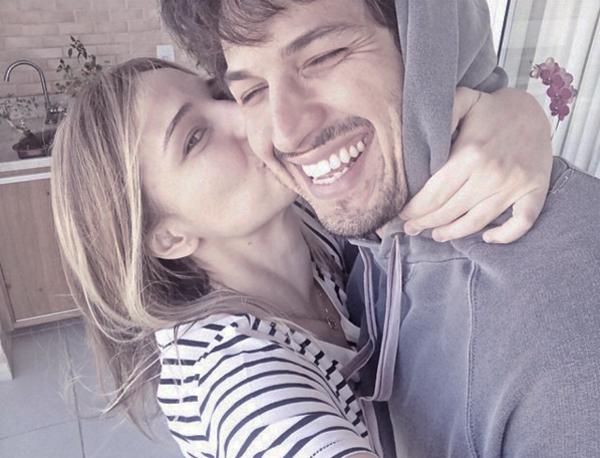 Nilma Quariguasi e Romulo Estrela estão à espera da visita da cegonha (Foto/Reprodução: Instagram)