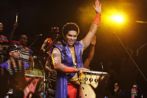 Denny Silva e a batucada da Timbalada de volta a São Luís (Foto/Divulgação: assessoria)