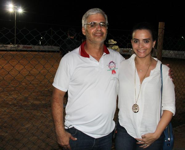 Luis Almeida, nome por trás do Mundialito de Tambor no MA, com a sobrinha Rafaela Albuquerque, que tem dado suporte ao evento (Foto/Divulgação: Marcela Simplício)