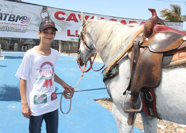 O campeão mundial Luís Guilherme Almeida,na cavalgada do último domingo (Foto/Divulgação: Marcela Simplício)