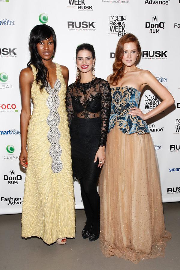 A piauiense Andressa Leão, entre modelos que desfilaram sua coleção na Nolcha fashion Week, em Nova York (Foto/Reprodução: Getty Images)