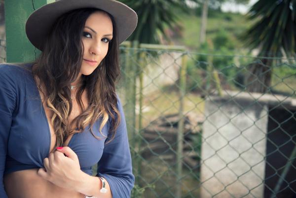 DJ Analy Rosa se apresenta na estreia do projeto Sunse7 (Foto/Divulgação)