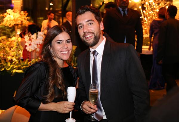 Ericka Braga e o namorado holandês Thomas de Leeuw, em acontecimento social recente (Crédito: Marcus Studio)