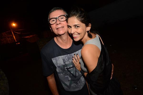 Nelson Piquet (na foto, com a namorada Luciana Raposo) comanda o Luau (Foto: Kayo Sousa)