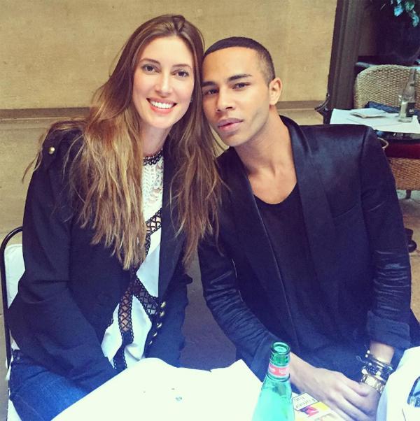 Bianca Klamt e o diretor criativo da Balmain, Olivier Rousteing, em recente rasante da modelo em Paris (Foto/Reprodução: Instagram)