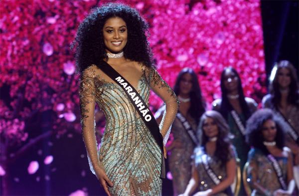 Deise D'anne representando o Maranhão majestosamente no Miss Brasil 2016 (Foto/Reprodução: Celso Tavares/Ego)