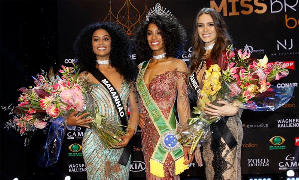 Deise D'anne, do Maranhão, Raissa Santana, do Paraná, e Danielle Marion, do Rio Grande do Norte, no Miss Brasil 2016 em São Paulo (Foto/Reprodução: Celso Tavares/Ego)