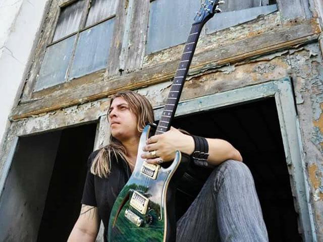 Guitarrista Ian Marinho, filho do músico maranhense Ian Marinho, novo guitarrista da banda Calypso. Foto: Divulgação