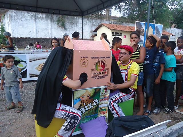 """Cia Arte de 2: o espetáculo """"A Caixa"""".  Foto: Divulgação"""