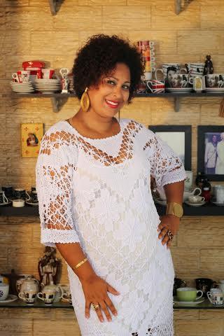 Cantora Fernanda Garcia é uma das atrações do show 'Recordar é sambar'. Foto; Divulgação