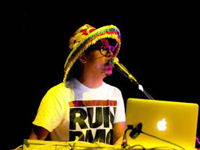"""DJ Beto Ehongue apresenta na festa B-Side, o trabalho solo e autoral """"Disco Vivo""""."""