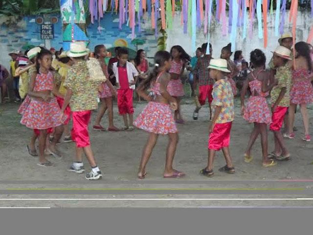 Crianças se divertindo no arraial do Forrobodó. Foto: Divulgação