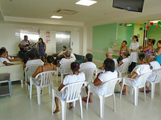 """Pacientes do Hospital Carlos Macieira participam do Projeto """"Roda de Música"""". Foto: Divulgação"""