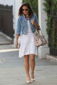 summer_street_style_pippa_keeps_cool_in_white