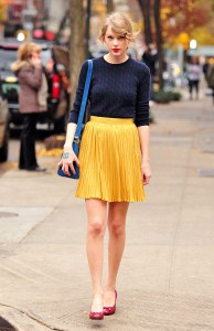Taylor Swift out and about in New York, America - 22 Nov 2011