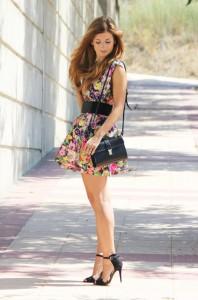 look-street_style-tiffany_necklace-flower_dress-zara_sandals4