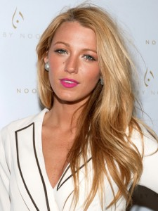 blondes-blake-lively-rose-gold