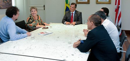 Flávio Dini recebe Fundação Renato Archer